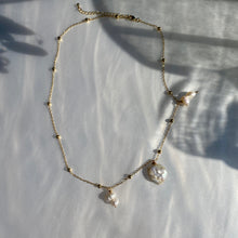 Load image into Gallery viewer, Drop of Pearls Necklace