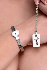 Master Series Cuffed Locking Bracelet and Key Necklace AF916,Clothing and Lingerie