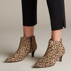 Linvale Sea in Leopard Print (Medium) By CLARKS