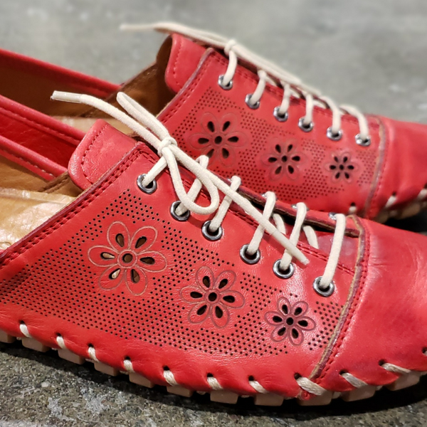Women's LENA Lace-Up Shoe in Red Leather
