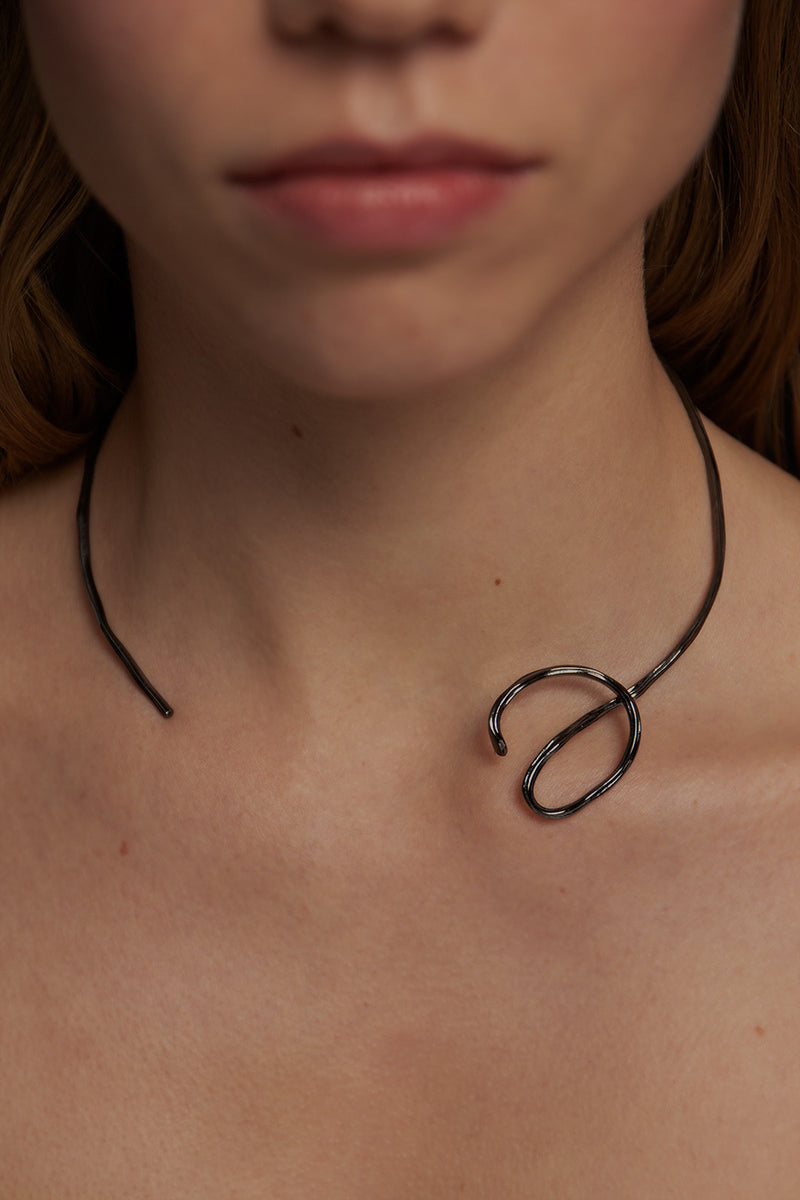aino-necklace-ruthenium-plated