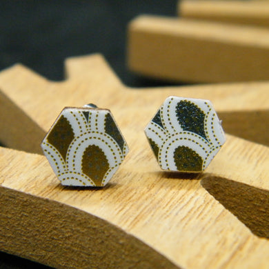 Appliqué hexagon stud earrings