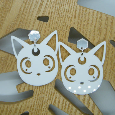 Sailor Moon Artemis cat statement earring