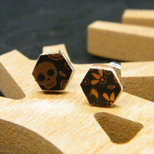 Load image into Gallery viewer, Calaveritas stud earrings