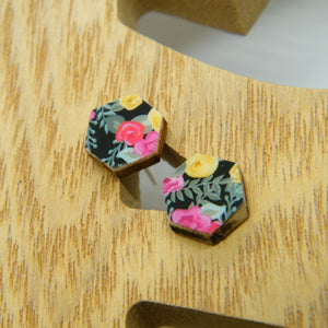 Corona de Flores stud earrings