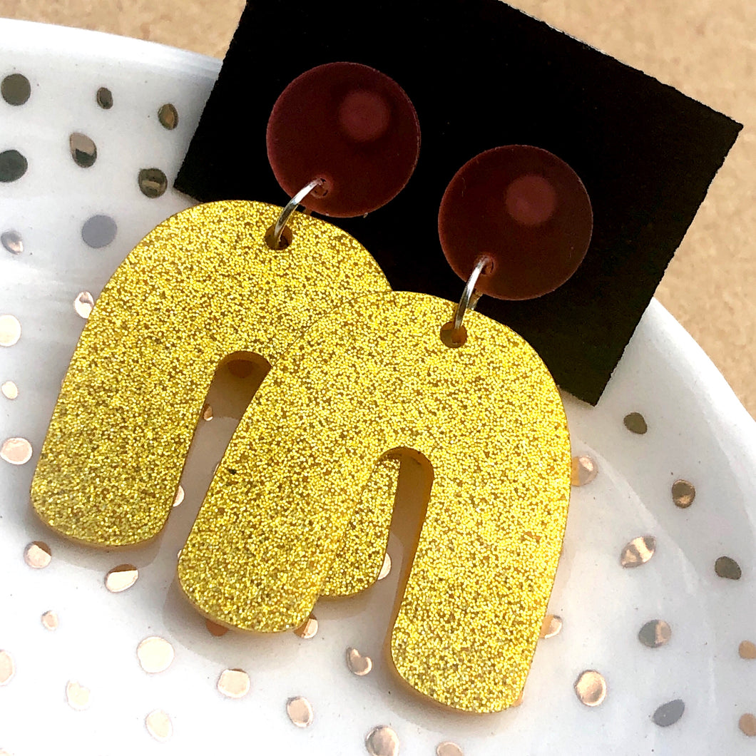 Gold glitter arches earrings