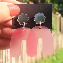 Load image into Gallery viewer, Pink and silver arches earrings