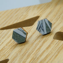 Load image into Gallery viewer, Seaglass stud earrings