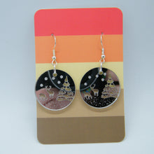 Load image into Gallery viewer, Silver mirrored winter scene earring