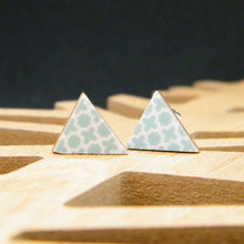 Load image into Gallery viewer, Teal quartrefoil triangle earring