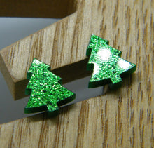 Load image into Gallery viewer, Green glitter Christmas tree stud