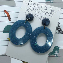 Load image into Gallery viewer, Stormy sky resin statement earrings