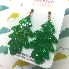 Load image into Gallery viewer, Green resin leaf earrings