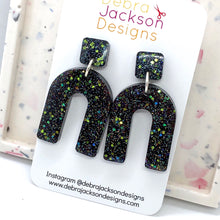 Load image into Gallery viewer, Black and glitter arch earrings