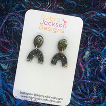 Load image into Gallery viewer, Bronze black mini-statement earrings