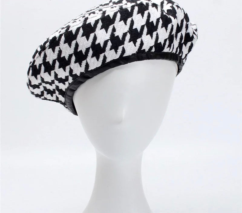 Boss babe black and white Beret