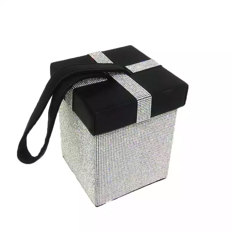 The gift Diamond clutch