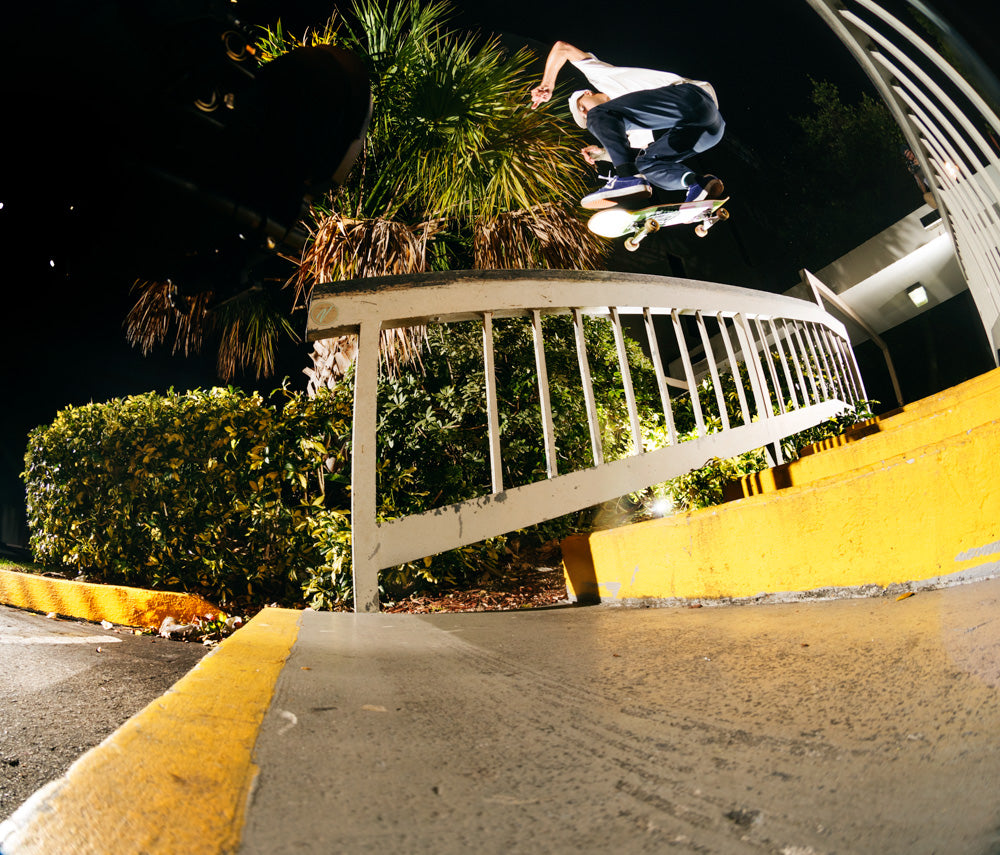 Justin Henry - Kickflip Nosegrind / Photo: Andrew Peters