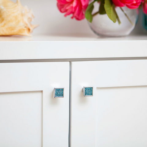 Blue crystal cabinet knobs for blue kichen design ideas