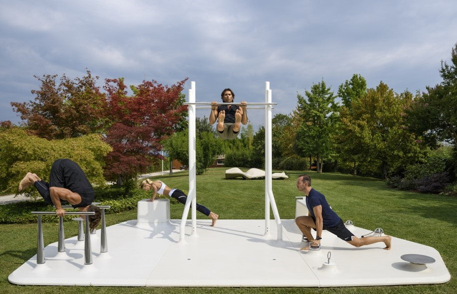 outdoor fitness gym platform for HITT strength training group exercise urban design public design