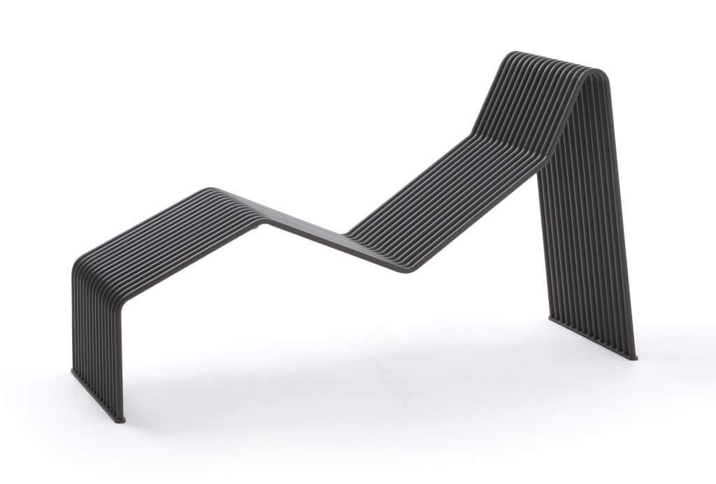 outdoor chaise lounge black metal tubes