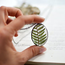 Load image into Gallery viewer, Cinnamon Fern Leaf Oval Necklace