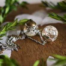 Load image into Gallery viewer, Baby Breath sphere necklace
