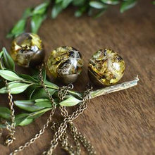 Load image into Gallery viewer, Lichen moss sphere necklace