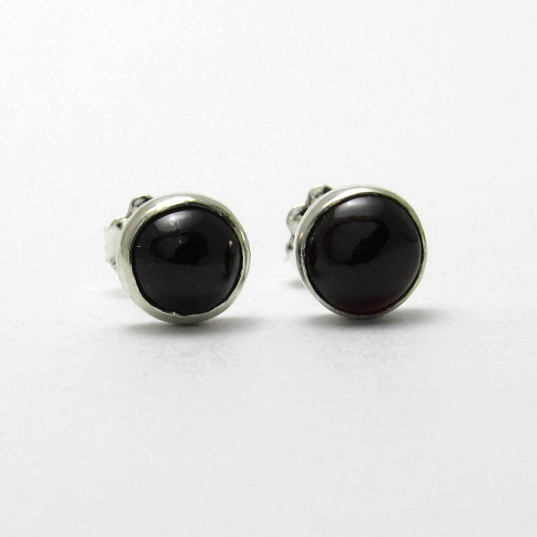 6mm Onyx Stud Earrings - TheExCB