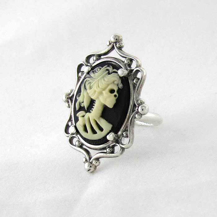 Skeleton Cameo Ring - TheExCB
