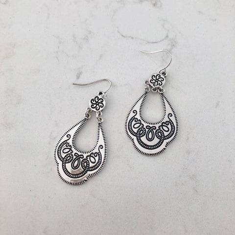 Silver Filigree Hanging Earring
