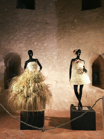 Sculptural dresses made of Stramma by the designer Lisa Tibaldi Grassi in collaboration with the Parco dei Monti Aurunci for the Trama Aurunca exhibition... Emotions and creativity of a territory