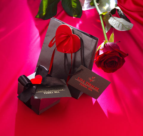 Lisa Tibaldi Terra Mia Blog News Notizie Accessori Moda personalizzati , il must have love packaging per San Valentino