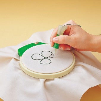 Clover Embroidery Stitching Tool (Punch Needle)