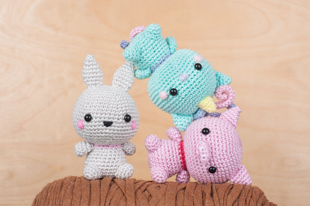 tiny rabbit hole - best craft basic beginner crochet knit felting flying pig pilot amigurumi workshop classes lesson singapore