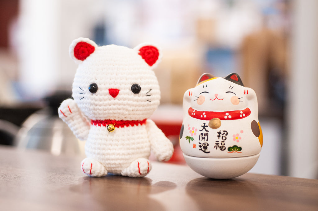Lucky Cat Maneki Neko Amigurumi Crochet Tutorial - YouTube | 682x1024