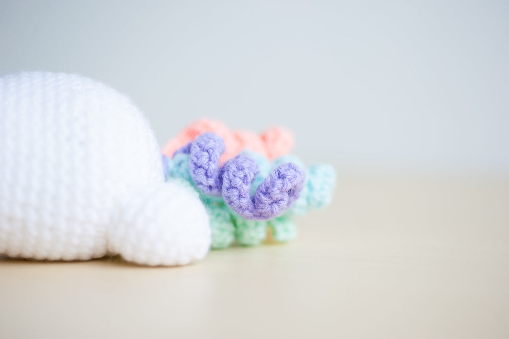 tiny rabbit hole - lazy rainbow unicorn colourful animal kingdom bunny piggy kitty basic craft diy handmade knitting crochet cute amigurumi workshop bootcamp sakura