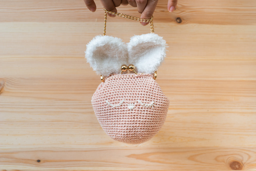 The Dainty Purse Amigurumi Pattern & Kit
