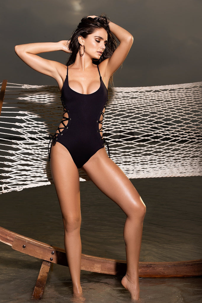 BLACK LACE-UP SIDE ONE PIECE SWIMSUIT