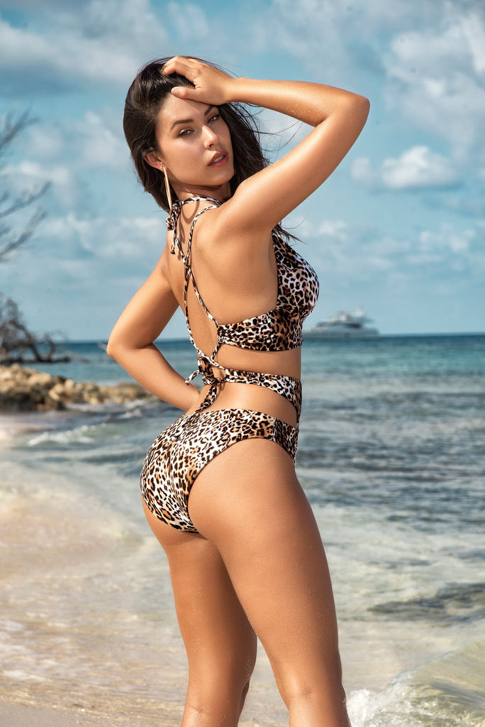 LEOPARD MONOKINI WITH A SAUCY MODERN STYLE
