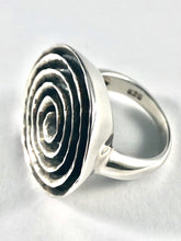 Load image into Gallery viewer, Spiral Sterling Silver Ring SR00004