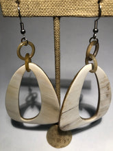 Load image into Gallery viewer, Horn Earrings 10074