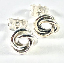 Load image into Gallery viewer, Sterling Silver Earrings SE00015