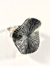 Load image into Gallery viewer, Sterling Silver Ring SR00007