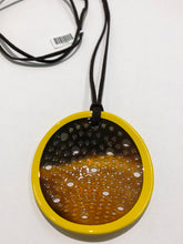 Load image into Gallery viewer, Horn & Lacquer Pendant 11359