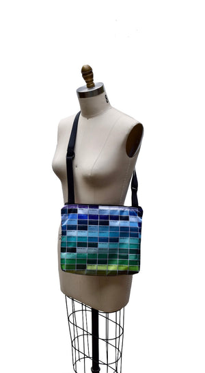 slim zippered bag (pantone)