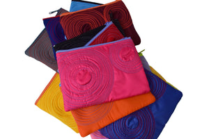 small zippered pouches (assorted colours)