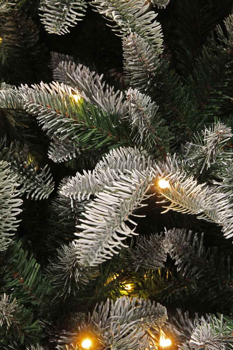 Triumph Tree hallarin kerstboom met warmwit led groen frosted 136 lampjes tips 969 maat in cm: 155 x 107