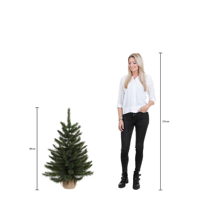 Triumph Tree Forest frosted kunstkerstboom met jute led 96 warmwitte lampjes maat in cm: 90 x 61 groen