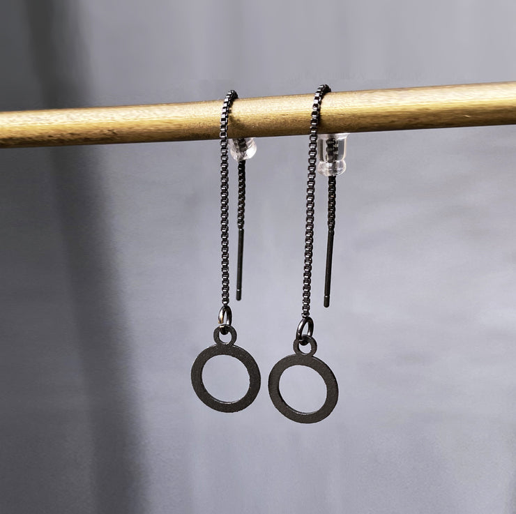 Necklace earrings with a hollow circle pendant